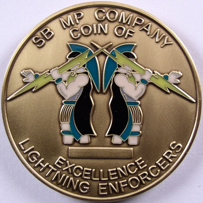 click for larger picture of Schofield Barracks, Hawaii Military Police Company Challenge Coin